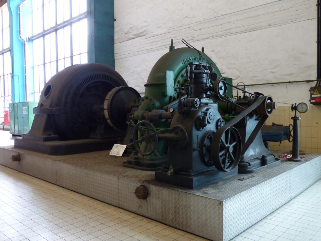 Historische Wasserturbine (Francis-Turbine des Wasserkraftwerks Heimbach, in Betrieb von 1905 bis 1974)